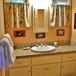 fernwood bathroom